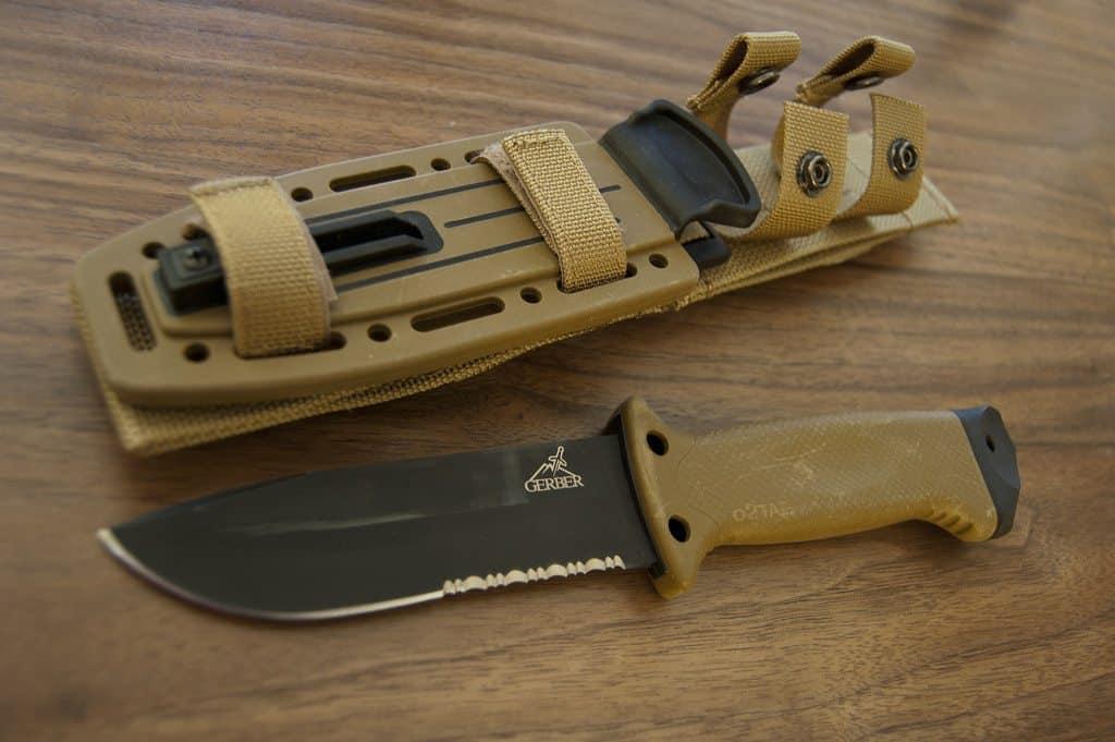 Best Survival Knife Knifeup
