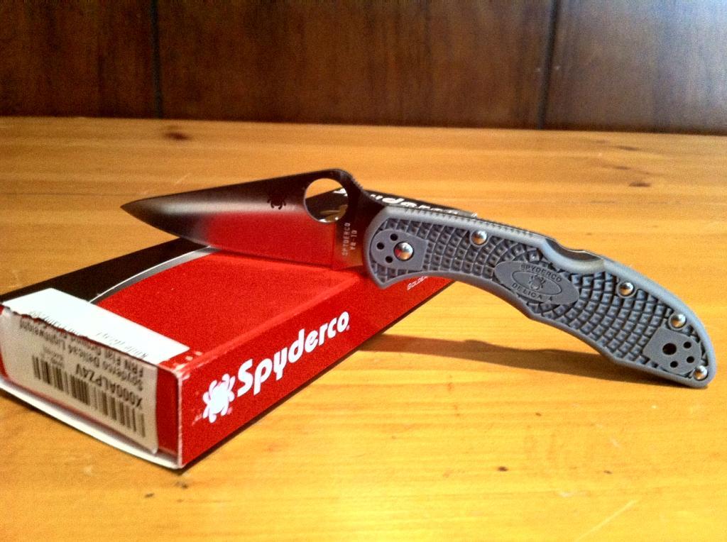 delica4 spyderco knife